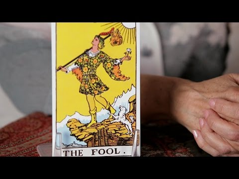 How to Read the Fool Card | Tarot Cards