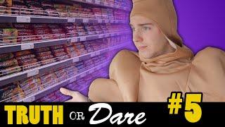 WINKELEN IN EEN MIDDELVINGER KOSTUUM! - Truth or Dare #5