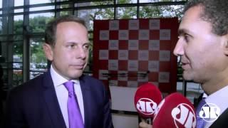 """Lide: """"Voto de confiança é apenas a Joaquim Levy"""", afirma João Doria"""