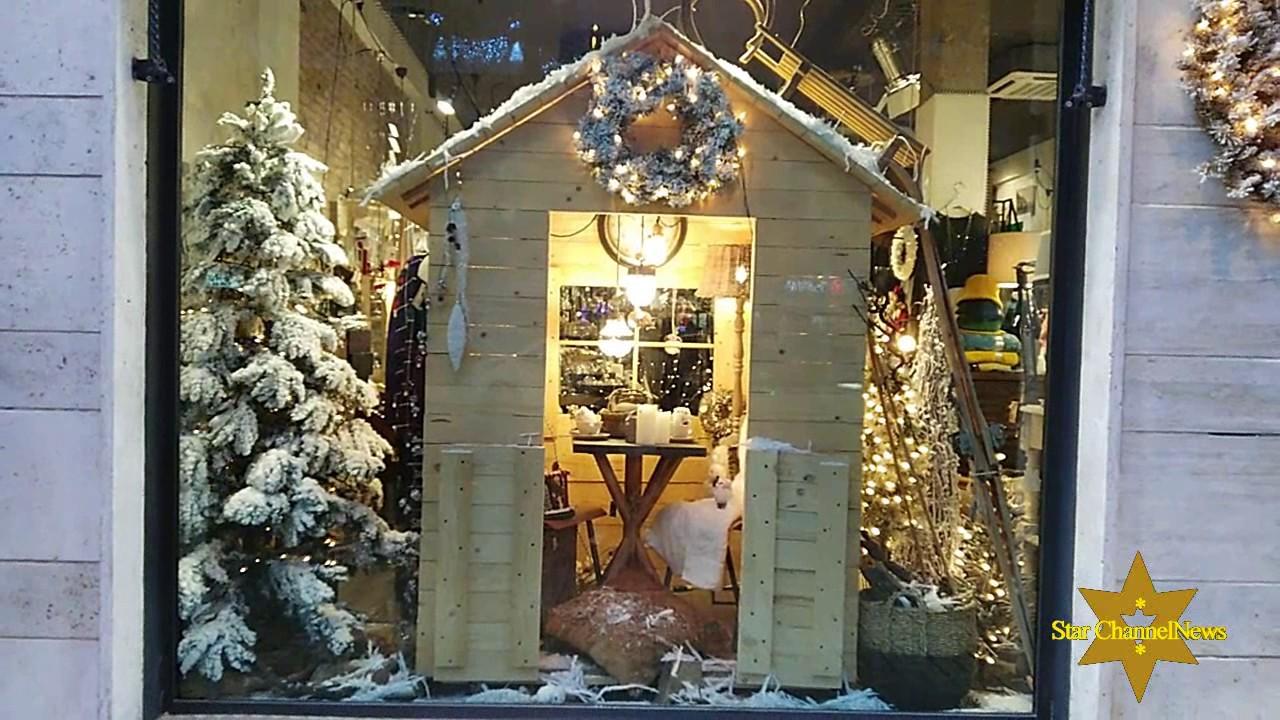 Decorazioni Natalizie Youtube.Decorazioni Natalizie Nei Negozi Di Roma Christmas Decorations In