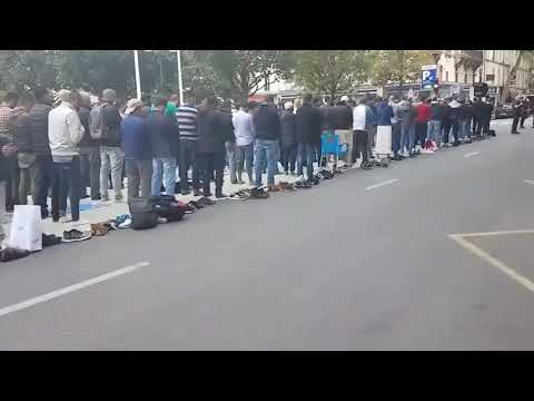 Street blocked for a Muslim prayer in France
