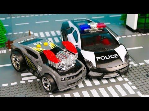 Полицейская машина попала в аварию и упустила преступника 389 Серия Мир Машинок