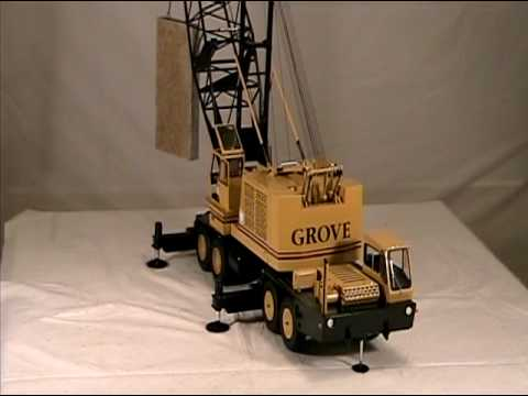 A 1 16 Scale 150 Ton Grove Model Crane Lifting An 80 Granite