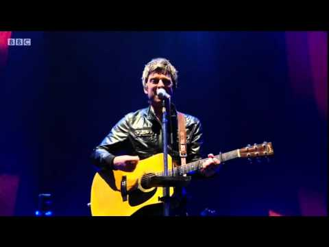 noel gallaghers high flying birds live -  the dying of the light (t in the park 2015)