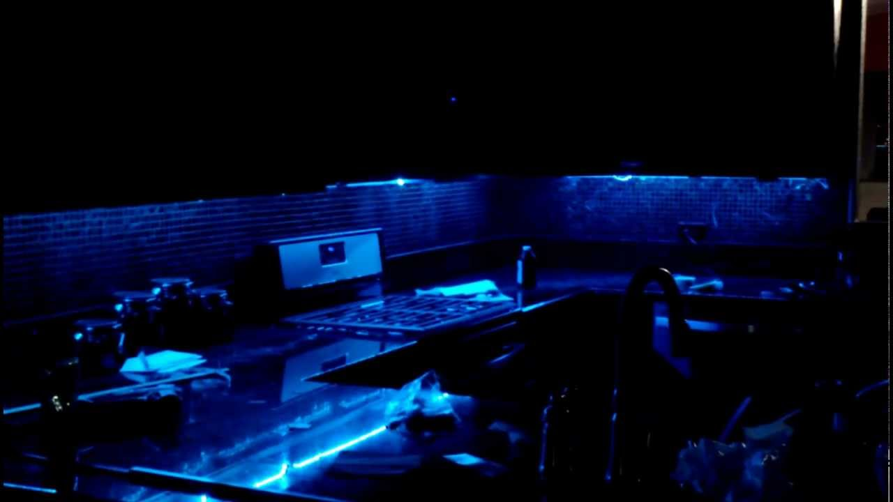 Light Under Kitchen Cabinet Taotronics Tt Sl007 Led Strip Light Kit Under Kitchen Cabinets