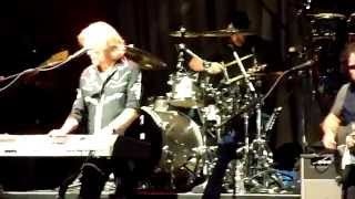 "Hall and Oates - ""Kiss On My List"" & ""Private Eyes"" - Live 10-17-2014 - San Francisco"