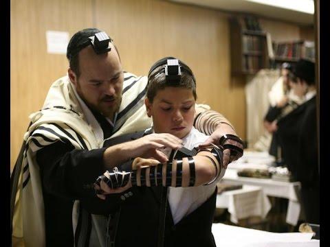 Berakha When Removing Tefillin: Societal Norm vs Autonomy- Interview with Rabbi David Bar-Hayim