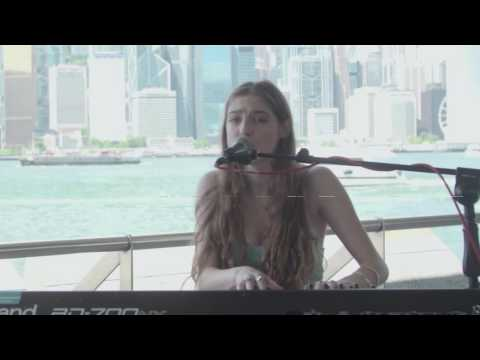 Birdy - Session at Tsim Sha Tsui Pier in Hong Kong (live)