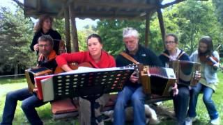 miz kerzu with band jasserie