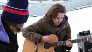 """Mother´s Cake: """"Night and Day"""" unplugged im Schnee"""