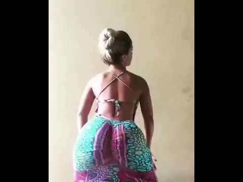 Rabuda dancando playlist de funk de shortinho - 2 3