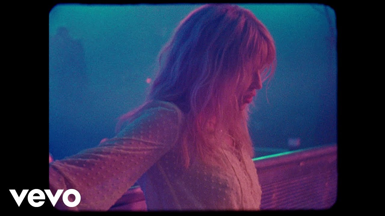 kylie-minogue-stop-me-from-falling-official-video-kylieminogueonvevo
