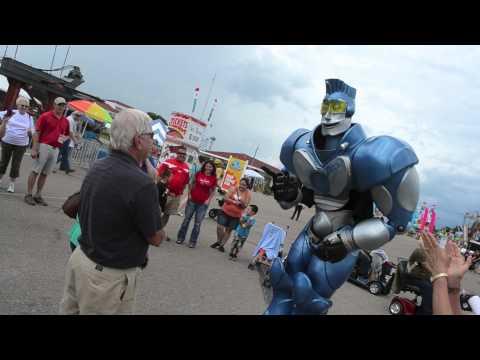 Nebraska State Fair: Strolling acts