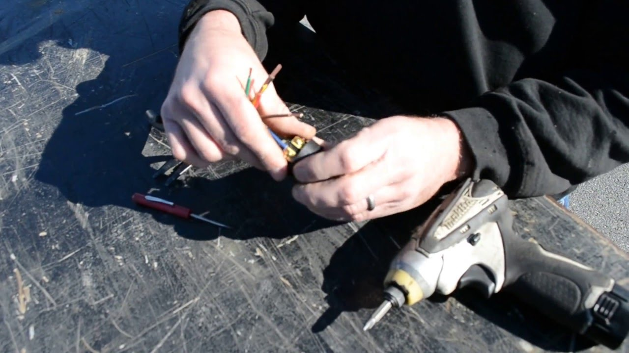 How To Hook Up A Trailers 7 Way Plug Youtube Cr4 Blog Entry Diy Trailer Hitch Wiring Solutions Part 2