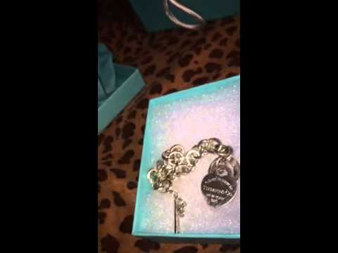 1st TIFFANY&co Jewelry UnBoxing(classic Heart Toggle Charm Bracelet)