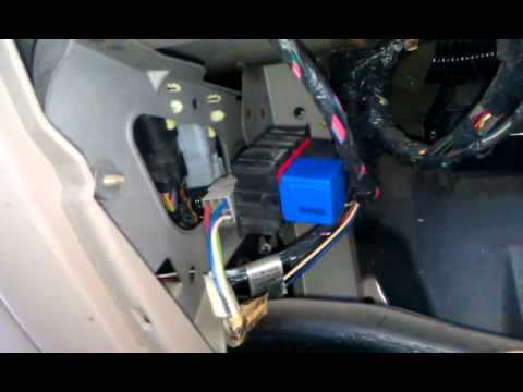 How to change a signal or flasher relay on a 2000 Ford