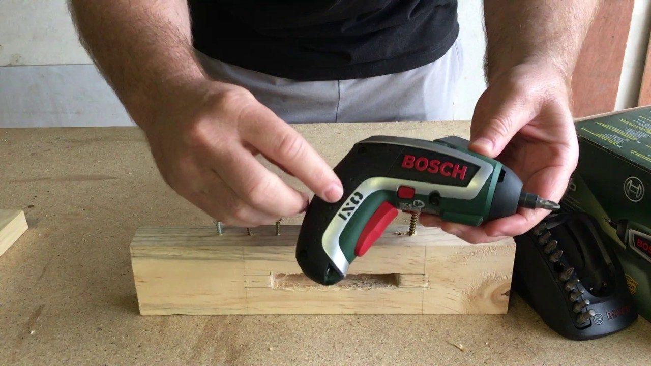 bosch ixo screw driver test youtube. Black Bedroom Furniture Sets. Home Design Ideas