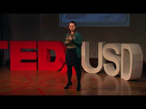 Refugees in Sioux Falls  | Kristyne Duffy | TEDxUSD