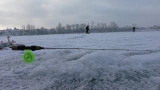 С этой блесной всегда будете с рыбой Первый лёд 2020 2021 Зимняя рыбалка на реке