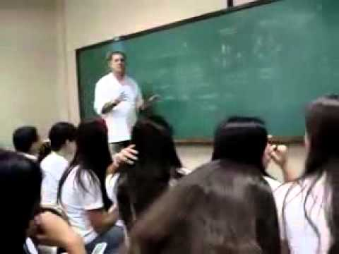 Answering your mobile phone at the classroom in Brasil