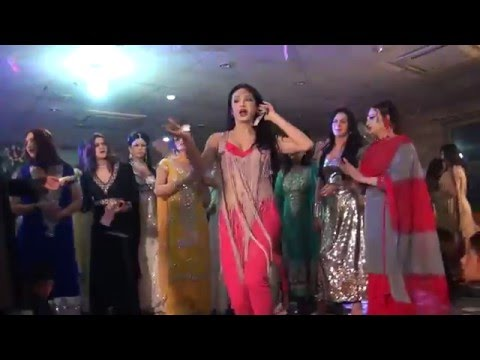 Kashish Wild Cat - PAKISTANI PRIVATE  MUJRA DANCE PARTY 2016