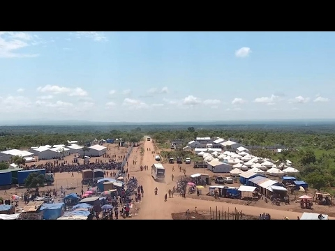 Thousands flee violence in South Sudan and cross into Uganda