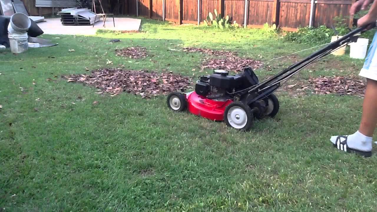 Snapper 21 Commercial Mower Mulching Leafs Part 1 Youtube