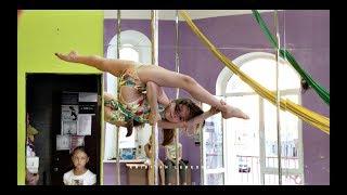 В свои 10 она может все ! Pole sport kids