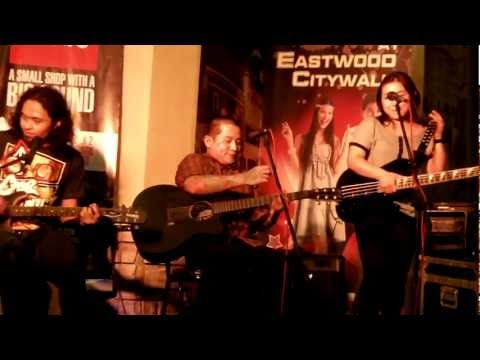 Urbandub (Rare Acoustic Session, Live at Eastwood)
