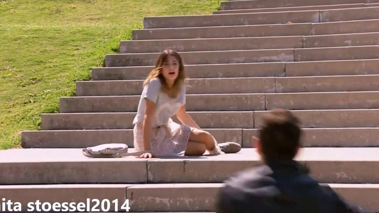 Violetta valt van de trap violetta seizoen 2 youtube - De trap van de bistro ...