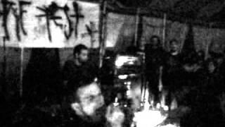 CHIENS - Live @ Hippiepest 2010