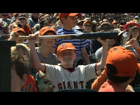 Trout gives bat, souvenirs to injured fan