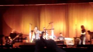 Pearl Jam and Ben Harper - Red Mosquito - Hard Rock Calling 2010