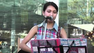大阪で活動する中学3年生(14歳)の井上苑子(そのこ)さん、2012.8.19川崎でのストリートライブの模様です。