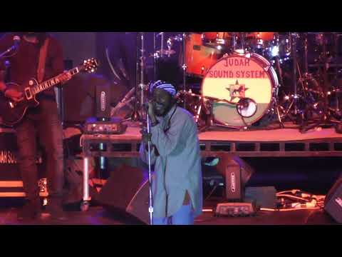 Chronixx - Smile Jamaica - LIVE