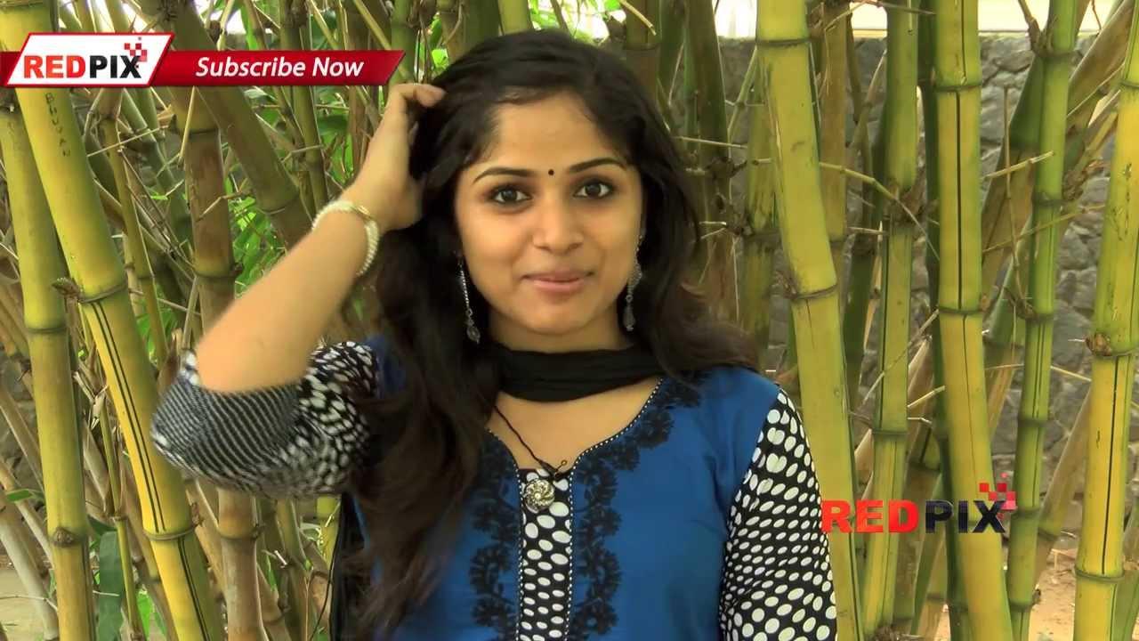 Ainthu Ainthu Ainthu Heroine Mirthika Talks About 555 Movie Red