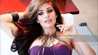Download lagu Sarah Shahi lonely MP3