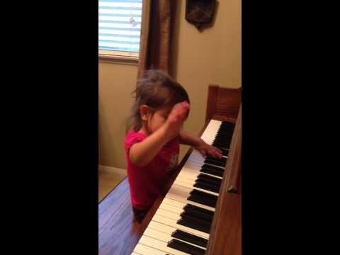 Tkeiaho sera playing piano