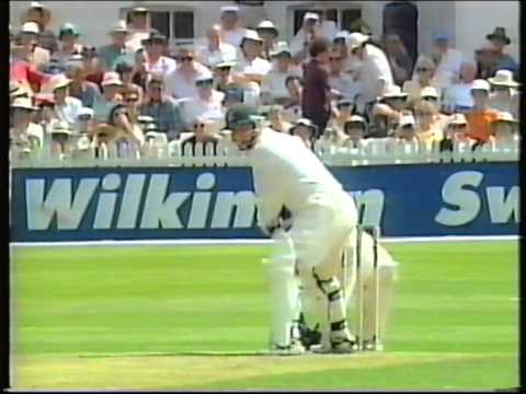 Cricket : Nottinghamshire v Essex - Nat West Trophy Quarter-final highlights 1997