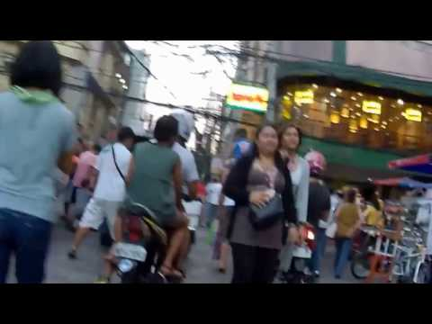 Walking Along Raon Quiapo Manila