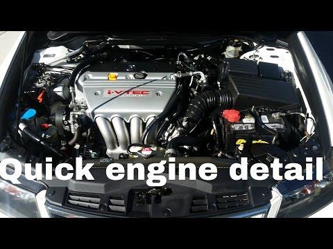 Meguiars Hyper Dressing. Engine detail Acura TSX.