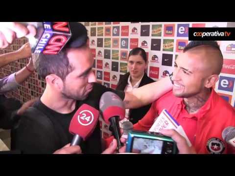 """La notable """"entrevista"""" de Claudio Bravo a Arturo Vidal"""