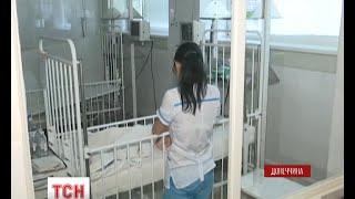 У Дніпропетровську рятують життя 9-річного хлопчика, який підірвався на снаряді на Донеччині(, 2015-08-25T06:05:43.000Z)