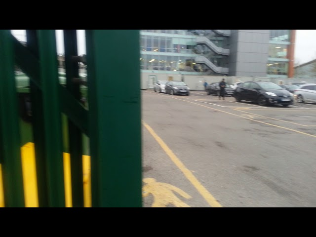 Gatwick entrance gates, Free parking