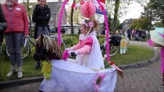Optocht versierde fietsen en karren Koningsfeest Ommen 2017