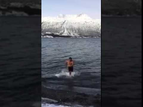 Arctic Ocean Bath : Ice cold water bath challenge ❄️☃️