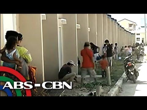 TV Patrol: Militanteng grupo, sapilitang inokupa ang mga pabahay sa Bulacan