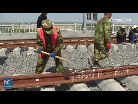 How are China's high-speed rail tracks laid?