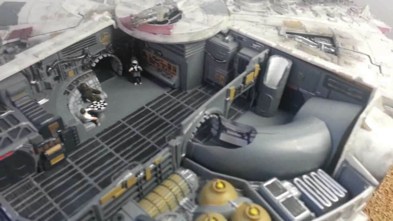 Showroom | AMT / ERTL Millenium Falcon