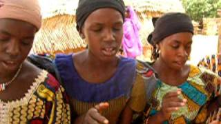Fulani Girls Singing for Neuberg